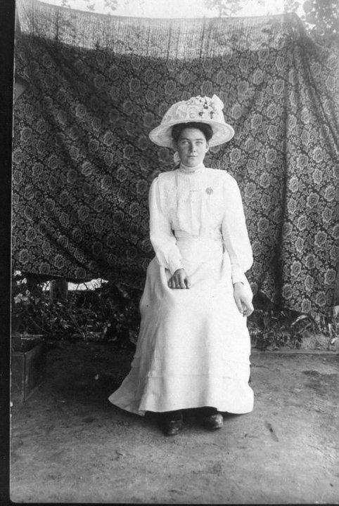 Edith May Heneker nee Grimwood 1913
