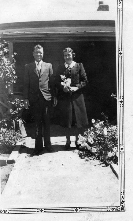 (Jack) JOhn Edward Heneker 52 with wife (May) Edith May Heneker nee Grimwood 49, home in Hawker