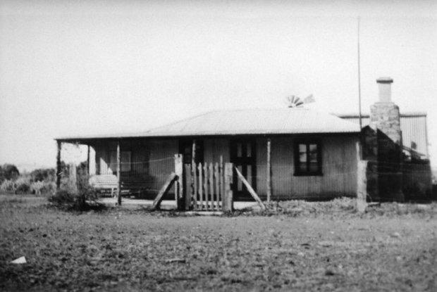 JamesHeneker's home in Beltana Oct 1951